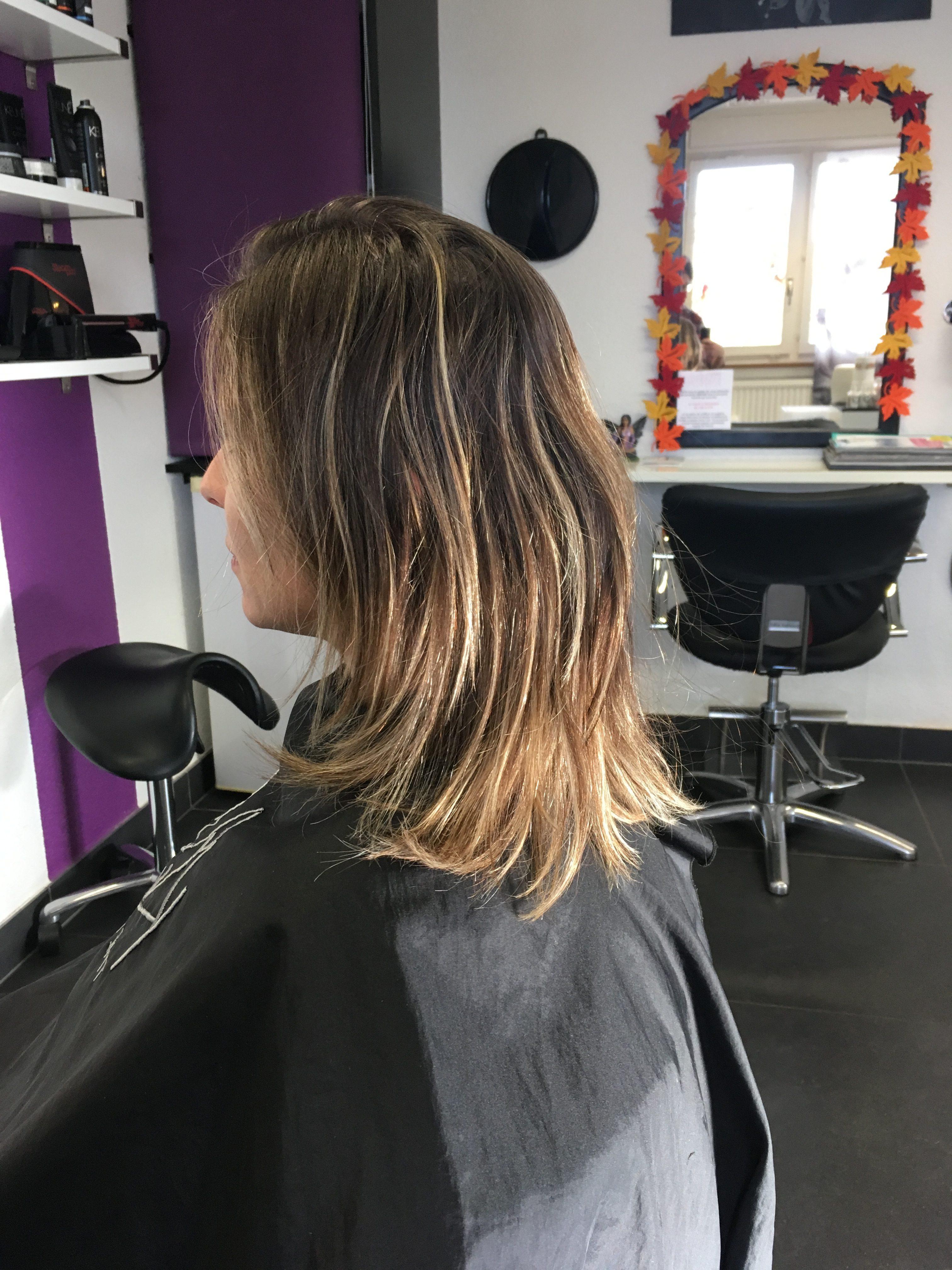 Changement de coupe avec mèches de 2 couleurs